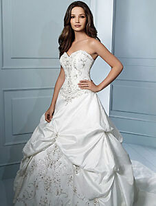 Alfred Angelo #758 Wedding Gown
