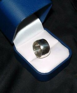 LADIES HEAVY WIDE SILVER BAND NICE RING
