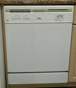 Whirlpool Dishwasher - Good Condition