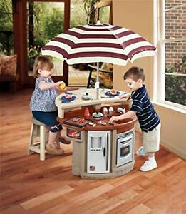 Step 2 Bistro Grille play kitchen with umbrella