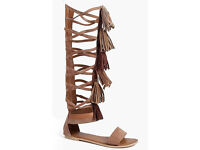 tan boohoo sandals knee high gladiator shoes size 6 brand new in box