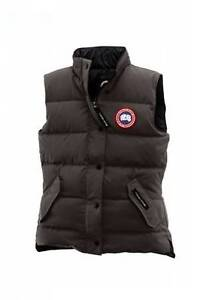 100% Authentic Canada Goose FREESTYLE VEST Small Caribou/Brown