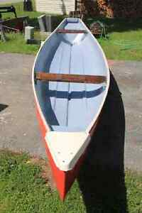 Frotiersman 16ft canoe. Green outside. (Couldnt take picture yet