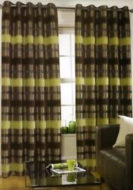 Two pairs of curtains f