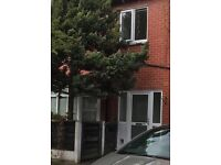 Light, bright apartment, West Didsbury, newly decorated, garden, off road parking,