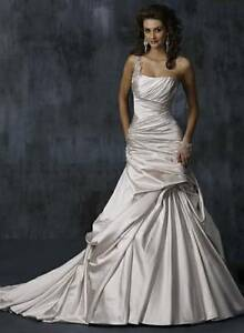 Maggie Sottero Designer Wedding Dress *NEW*