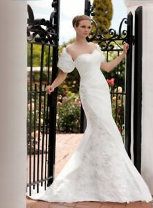 BRAND NEW ESSENSE OF AUSTRALIA WEDDING DRESS