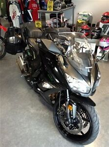 2016 Kawasaki Ninja 1000 ABS Metallic Carbon Gray / Metallic Spa