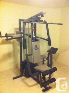 Exerciseur multi stations musculation