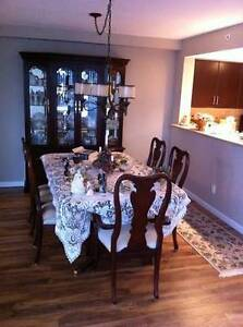Thomasville Dining Room Table and Hutch / Cabinet
