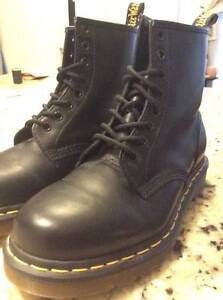 NEW Dr. Martens Women's Casual Boots