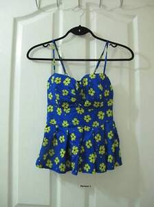 Selling many variety of women's clothes