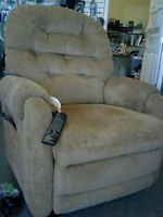 Lazboy Liberty Lift/Recline Chair