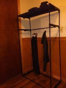 Clothing/Clothes Rack,
