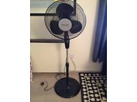 4-speed oscillating floor fan