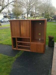Pallister media unit hutch