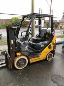 2011 Komatsu 5000lb Propane Forklift