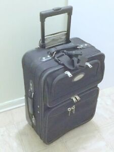 (Carry-On Luggage) 'American Tourister' Suitcases 2 Wheel Bentle