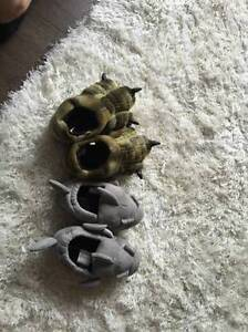 Kids Slippers size 11/12
