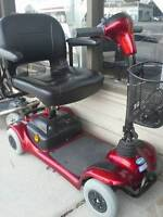 Scooter Invacare Lynx L4 **2 New Batteries **Delivery Included**
