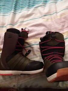 Selling NEW SNOWBOARDING BOOTS - $200 OBO