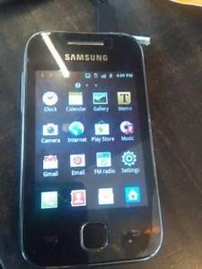 Samsung Galaxy Y Smartphone. Rogers Chatr