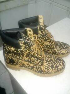 Timberland leapard boots