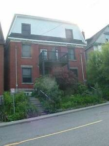 APRIL sublet in 3 BR @ uOttawa w/laundry and dishwasher