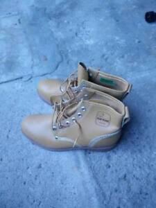 Safety Shoes Sz 10 TUF MAC - BRAND NEW