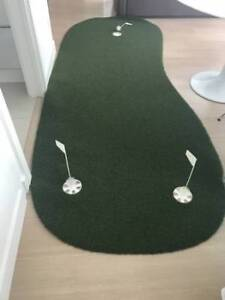 SYNLawn 10-ft x 4-ft Portable Putting Green