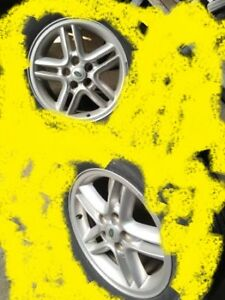 18 inch range rover alloy wheel       sell $75.