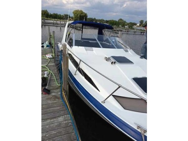 Used 1989 Bayliner 2955 Avanti