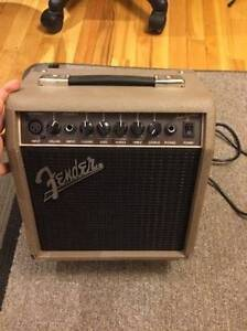 Selling my Fender Acoustasonic 15 Acoustic Guitar Amp