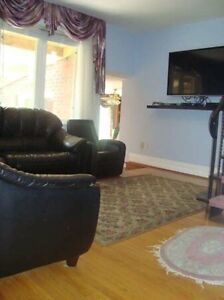 Spacious 2 bedroom apt in the highly coveted BathurstManor Area!