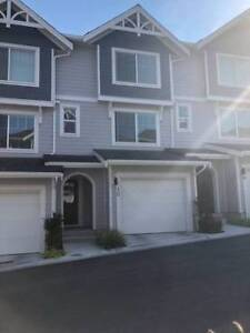 3 Bedroom Townhouse for Rent in South Surrey