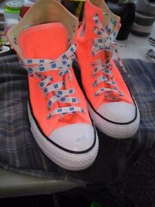 Converse Shoes Size 8.5 Men 10.5 women UNISEX