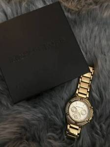 Ladies Gold-Tone Michael Kors watch! Great Condition