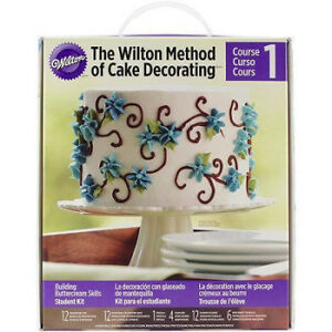NEW IN THE BOX - THE WILTON METHOD OF CAKE DECORATING KIT