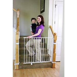 NEW Regalo 1235 Extra Tall Top Of Stairs Gate With Mounting Kit