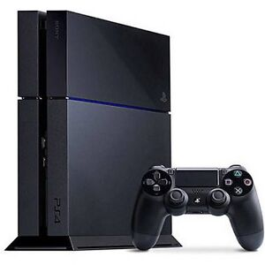 PS4 500GB BUNDLE 3 Games 2 Controllers