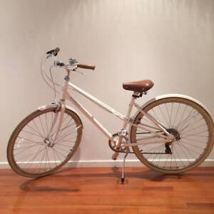 White Norco City Glide Bike 7 Speed - Great Condition