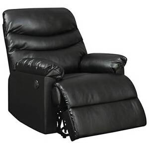 Brand New In Box Palmdale Power Recliner ($800 + tax in store)