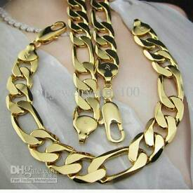 Solid 9ct gold curb chain 2 piece serious gold buyers !!