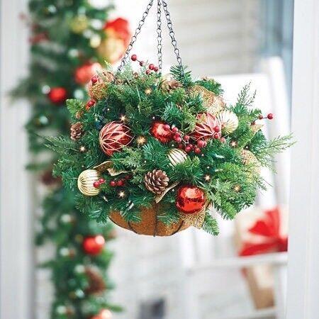 xmas hanging baskets - Christmas Hanging Baskets