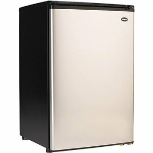 Sanyo 4.4 cu. ft. Compact All Refrigerator SR-4910M
