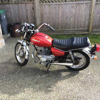 *****Awesome Vintage '81 Honda Motorcycle*****