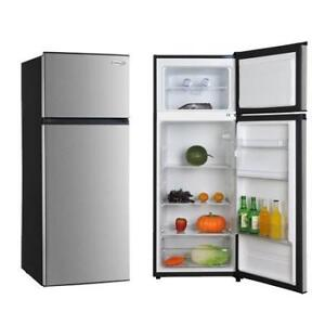 7.1 CUBIC FOOT STAINLESS STEEL FRIDGE -- WHAT A DEAL!!