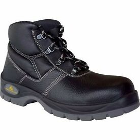 BRAND NEW SIZE 10 SAFETY BOOTS