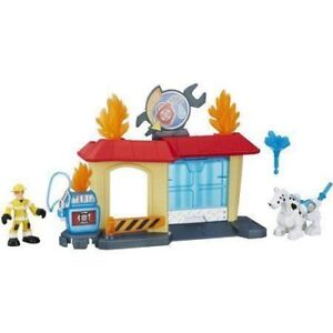 PLAYSKOOL RESCUE BOTS GARAGE AT TEDDY N ME