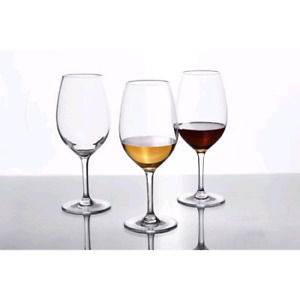 Dinnerplates, Napkins,Wine glass and cutleries for RENT